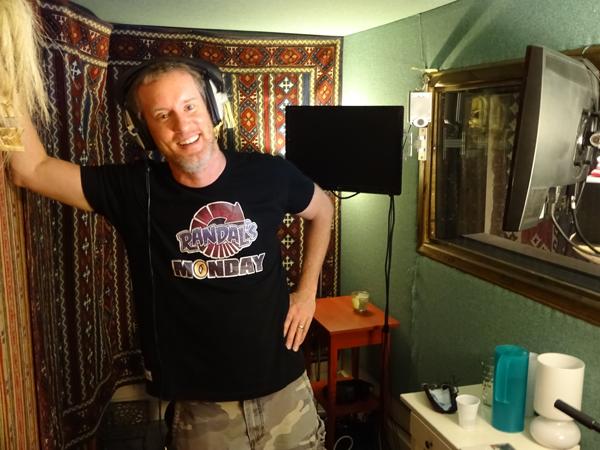 Jeff Anderson en el estudio de grabacion OMUK en Londres